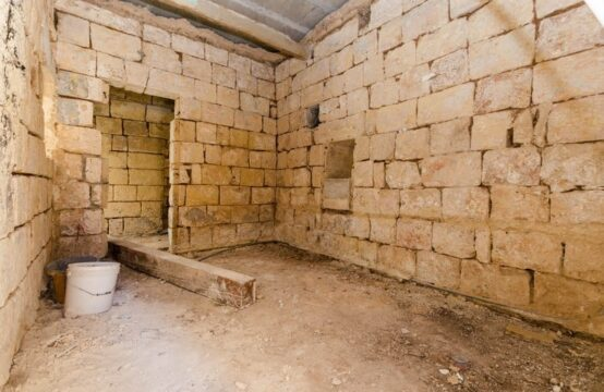 Ghaxaq, Malta – Unconverted House of Character for Sale