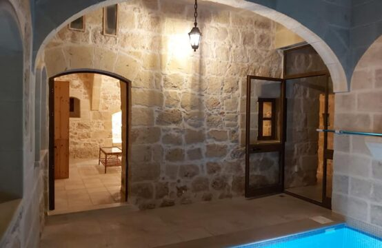 Qala – Farmhouse Long Let